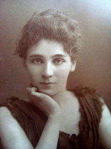Elizabeth Robins as Hilde Wangel in 1893